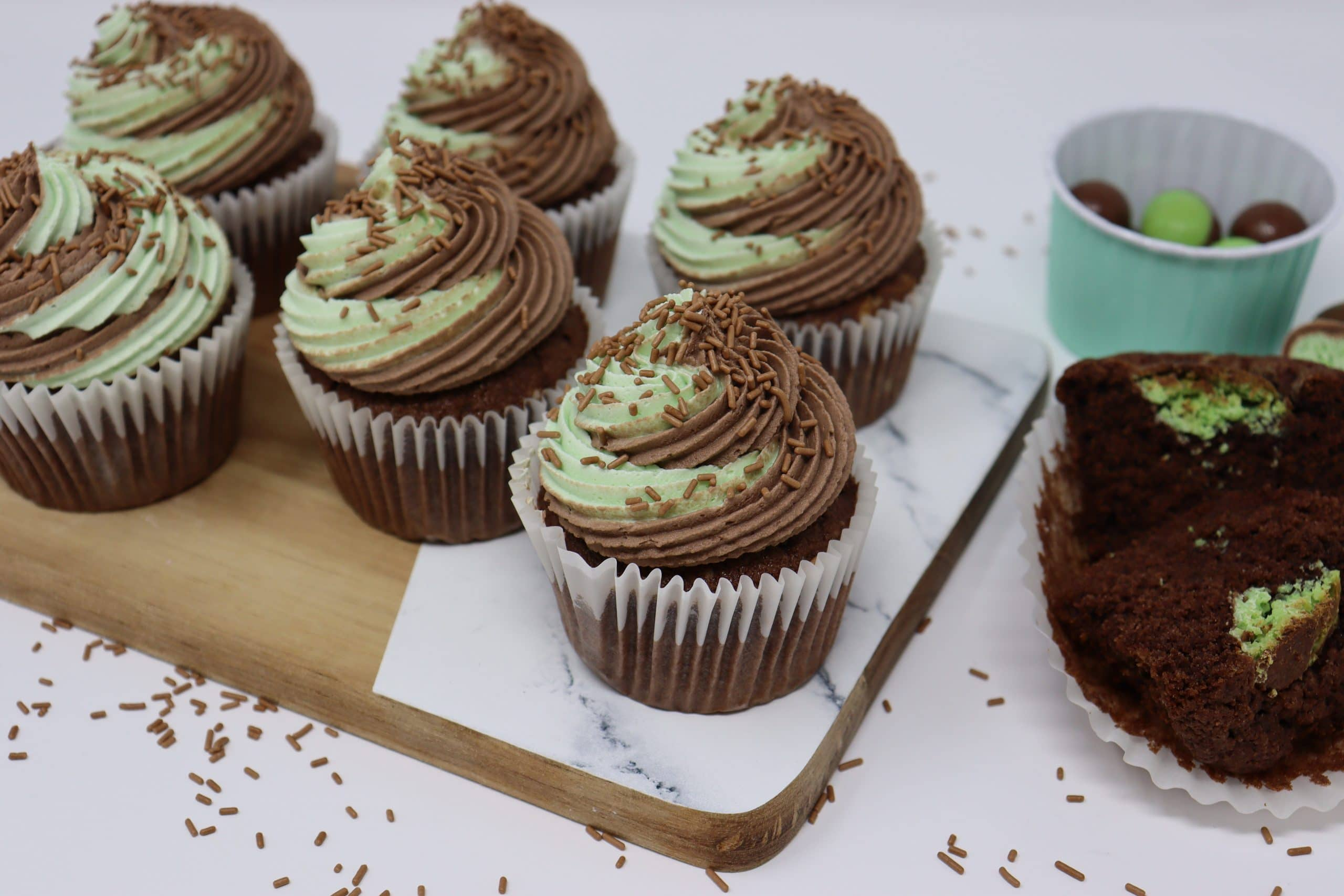 Peppermint and chocolate cupcakes